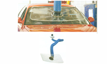 Windscreen extraction arm